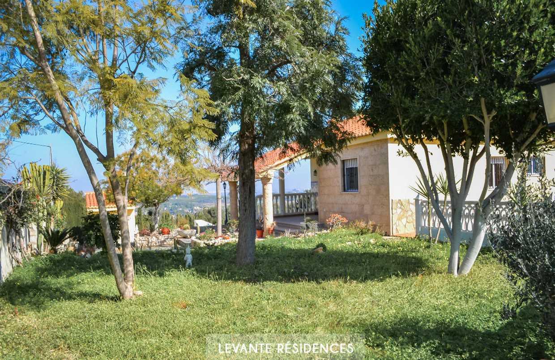 Belle villa avec piscine et vue dégagée à 30 minutes de Valencia