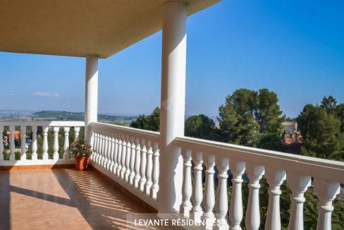 villa-haut-de-gamme-alberic-valencia-agence-francophone-4